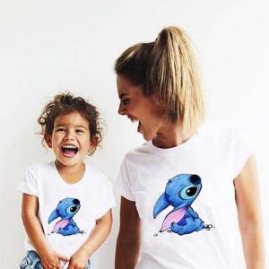 T-shirt filles manches courtes, 100% coton imprimé - stitch family
