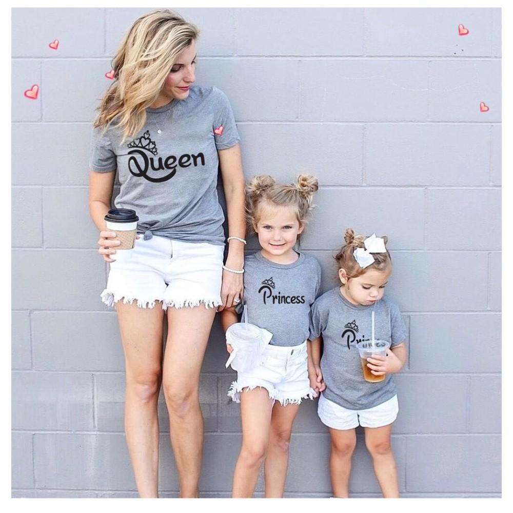 T-shirt Famille manches courtes blanc 100% coton imprimé Queen , king , prine ou princesse